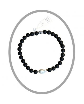 Charlotte – Matte Onyx Necklace with Feature Baroque Pearl